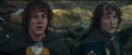 Boromir est à terre après avoir pris sa deuxième flèche